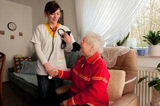 Blutdruckmessen zuhause (Foto: Achim Pohl)