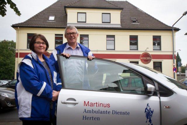 Davina Oertel und Wilfried Weeke freuen sich auf die Eröffnung der neuen Martinus Ambulanten Dienste Herten im Stadtteil Langenbochum. Beratungsgespräche werden dort jetzt schon angeboten. Foto: SMMP/Ulrich Bock