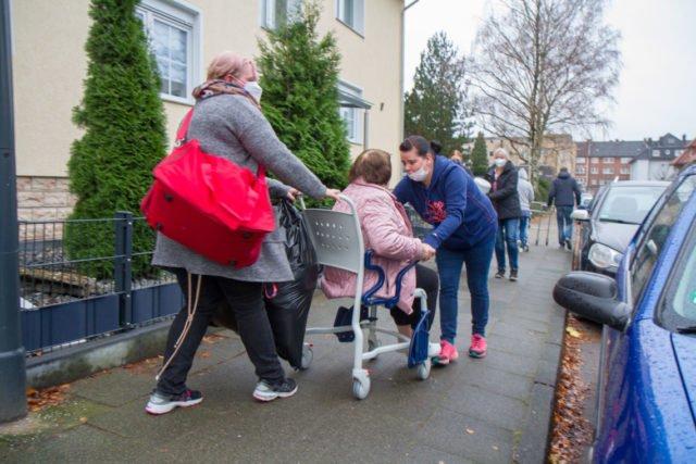 Zwischen den beiden Häusern herrscht reger Verkehr. Foto: SMMP/Ulrich Bock