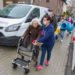 Nacheinander werden die 80 Bewohnerinnen und beweohner in das neue Haus St. Martin geführt. Foto: SMMP/Ulrich Bock
